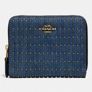 COACH Small Zip Around Wallet w Quilting & Rivets